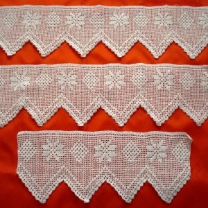 Lace 3 piece bath towels in white crochet craft