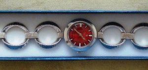 Reloj de pulsera dama marca Tressa, pulsera y caja en plata maciza