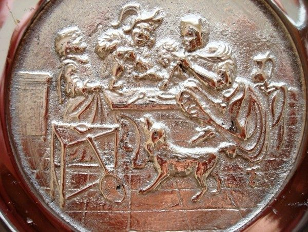Plato artesanal de bronce plateado de 1910, pieza única