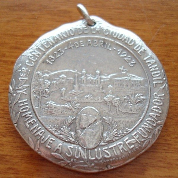 Medalla de plata centenario de Tandil (Argentina) 1923