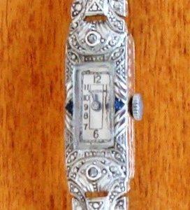 Reloj joya de pulsera dama en oro, platino, diamantes y zafiros, de 1925