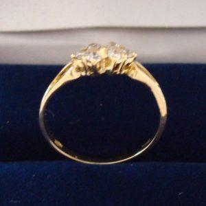 Anillo de oro para dama con 6 diamantes, de 1945