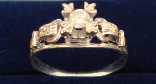 Anillo para dama de oro blanco con diamante 25 p., de 1950
