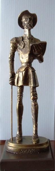 Escultura Quijote con doble peana 24 cm