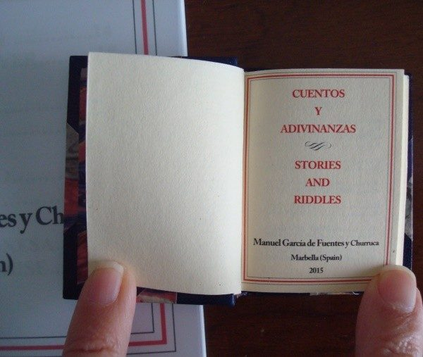 Cuentos y adivinanzas - Stories and riddles (libro miniatura de lujo)