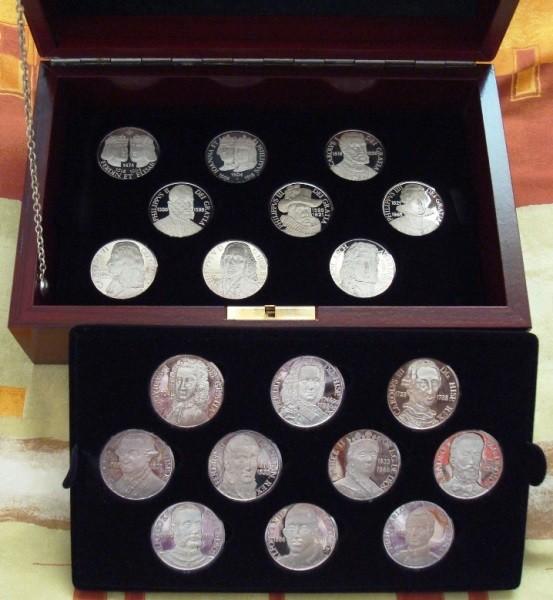 Colección Reyes de España en medallas de plata pura