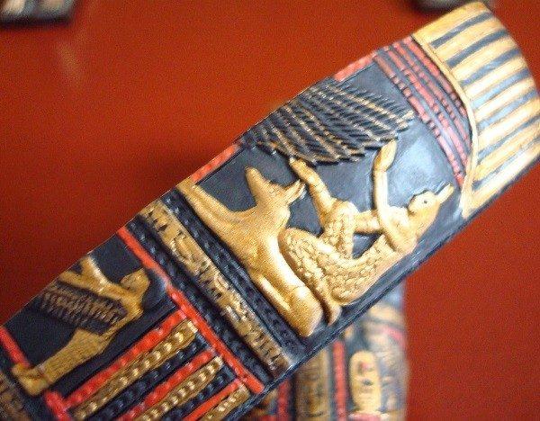 Sarcófago egipcio y 2 esfinges