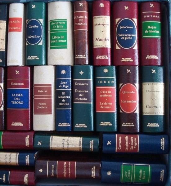 34 libritos de la colección Grandes Obras de la Literatura Universal