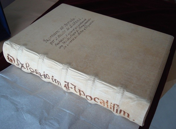 Beato de Liébana códice Burgo de Osma, s. XI *****+ (en pergamino natural)